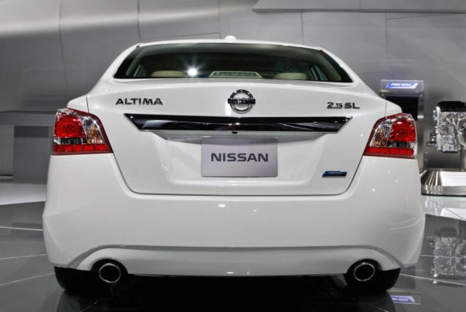 2015 Nissan Altima  Information and photos  ZombieDrive