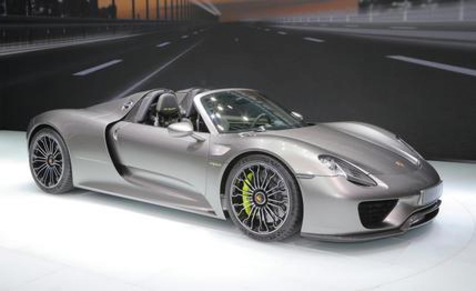 2015 porsche 918 spyder information and photos zombiedrive. Black Bedroom Furniture Sets. Home Design Ideas