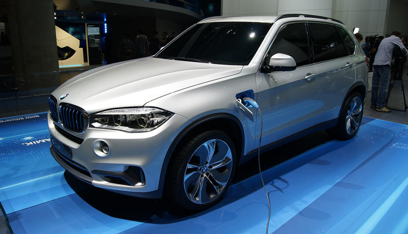 Tesla Model X Information And Photos ZombieDrive - 2015 bmw suv models