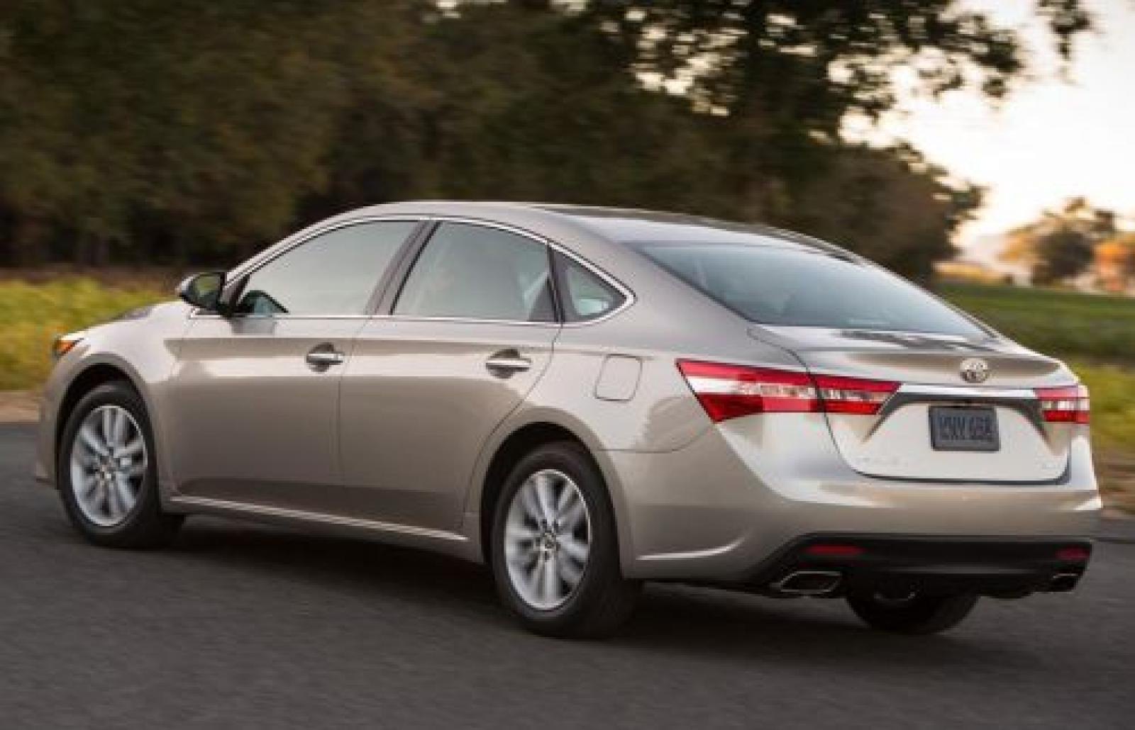2015 Toyota Avalon Information And Photos Zombiedrive