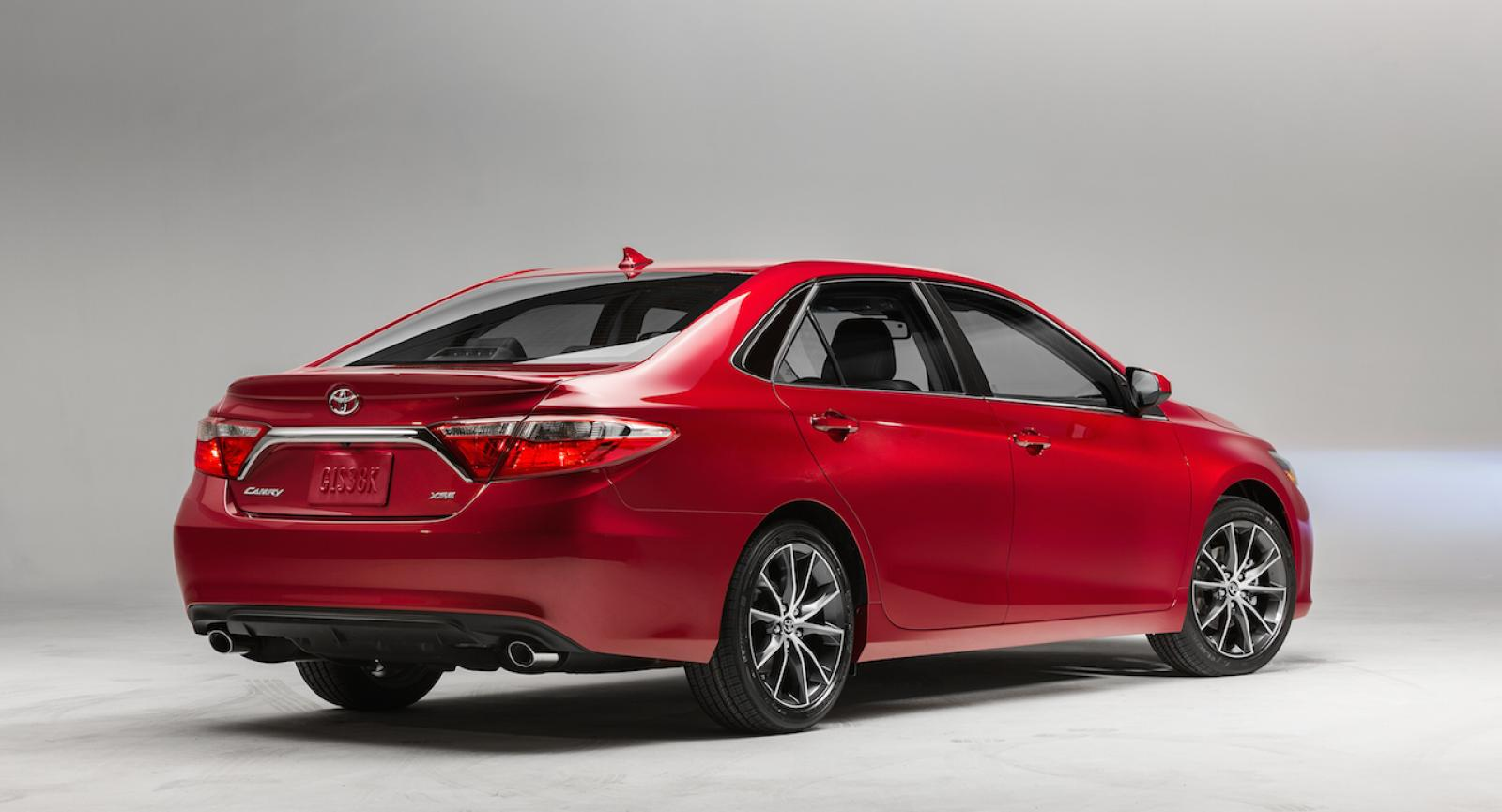 2015 Toyota Camry Hybrid Information And Photos Zombiedrive