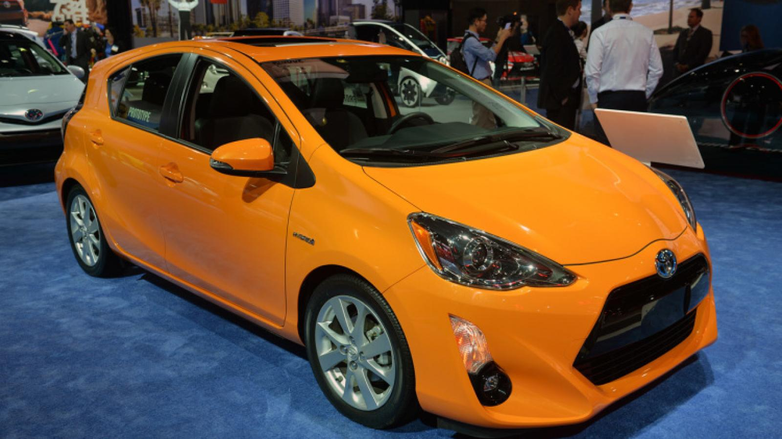 2015 toyota prius c information and photos zombiedrive. Black Bedroom Furniture Sets. Home Design Ideas