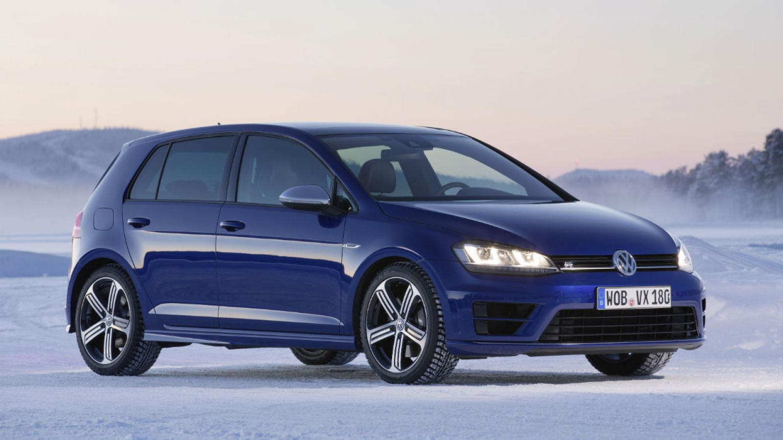 2015 volkswagen golf r information and photos zombiedrive. Black Bedroom Furniture Sets. Home Design Ideas