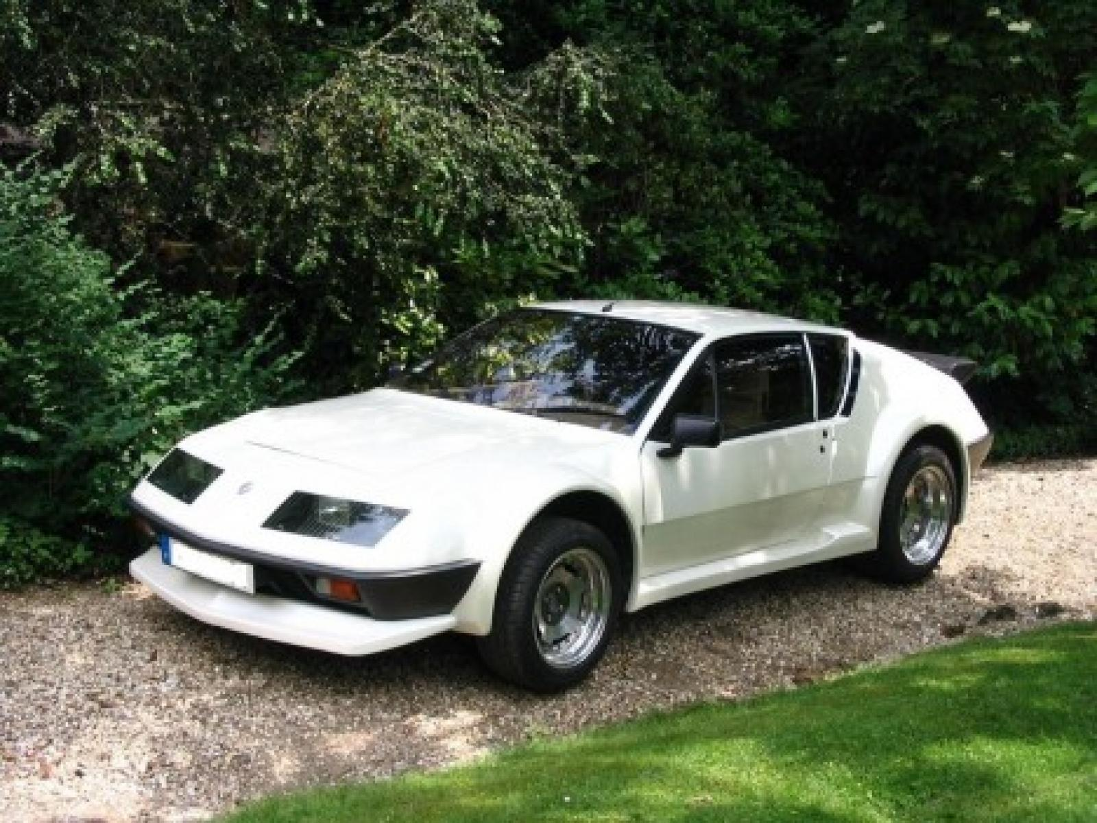 renault alpine a310 too stable on a rally track. Black Bedroom Furniture Sets. Home Design Ideas