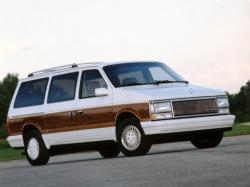 1993 Chrysler Town and Country #4