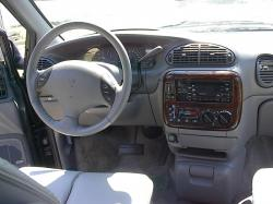1996 Chrysler Town and Country #9
