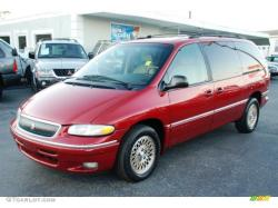 1997 Chrysler Town and Country #8