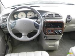 1999 Chrysler Town and Country #6