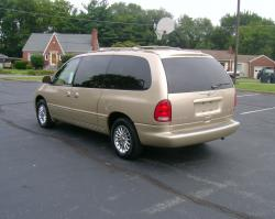 1999 Chrysler Town and Country #10