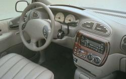 2002 Chrysler Town and Country #4