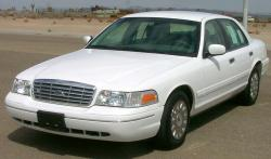 2000 Ford Crown Victoria #8