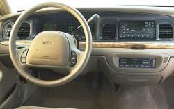 2004 Ford Crown Victoria #12