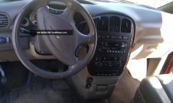 2001 Chrysler Town and Country #12