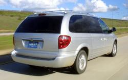 2003 Chrysler Town and Country #11