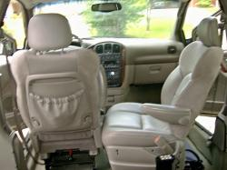 2002 Chrysler Town and Country #11