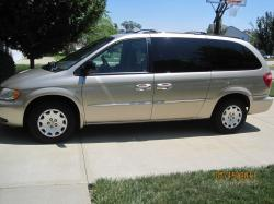 2002 Chrysler Town and Country #6