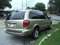 2002 Chrysler Town and Country #7