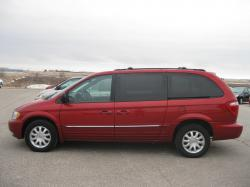 2003 Chrysler Town and Country #22