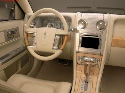 2004 Lincoln Aviator #2