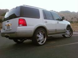 2005 Ford Expedition #14