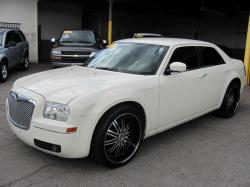 2007 Chrysler 300 #18