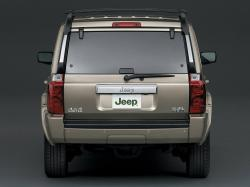 2010 Jeep Commander #21