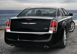 2011 Chrysler 300 #13