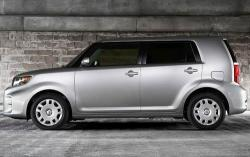 2011 Scion xB #4