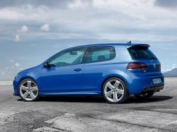 2013 Volkswagen Golf R #15