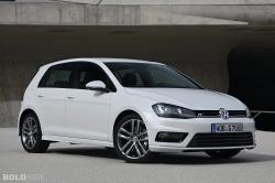 2013 Volkswagen Golf R #18