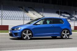 2013 Volkswagen Golf R #13