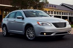 2013 Chrysler 200 #2