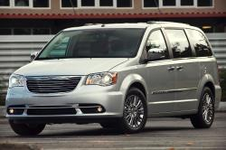 2013 Chrysler Town and Country #2