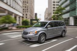 2014 Chrysler Town and Country #2