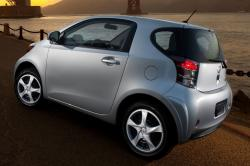 2014 Scion iQ #9