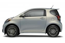 2014 Scion iQ #5