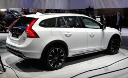 2015 Volvo V60 Cross Country #3