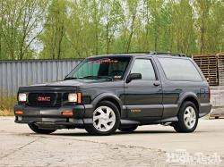 gmc Typhoon