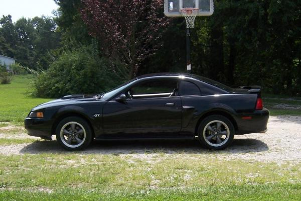 2001 Ford Mustang #1