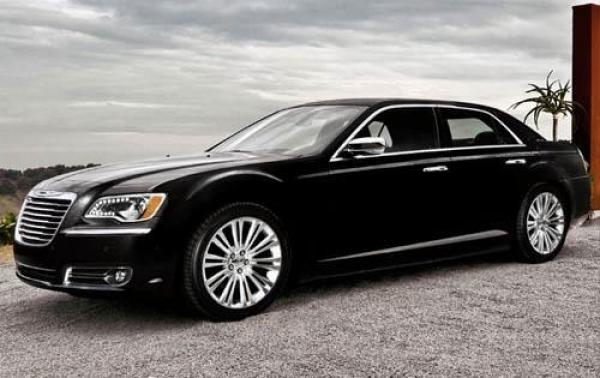 2011 Chrysler 300 #1