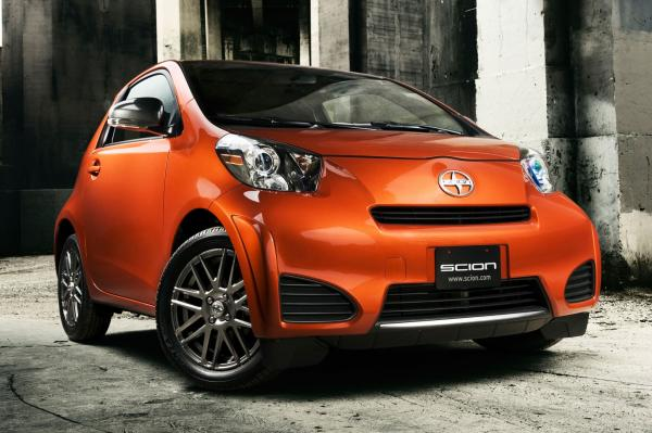 2014 Scion iQ #1