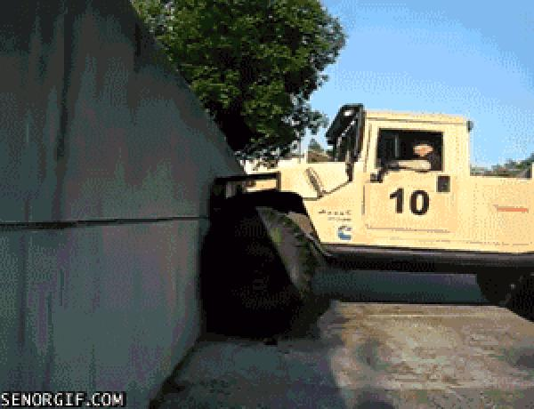 No One Believed That Hummer H1 Can Climb Walls Until This Video Popped Up