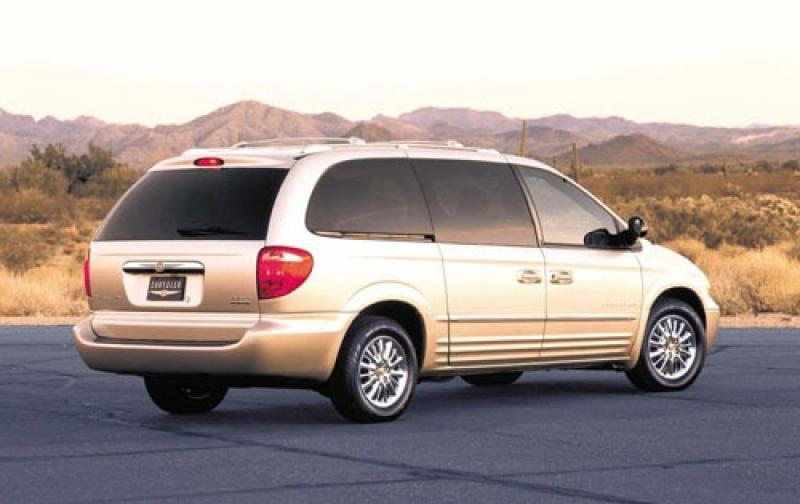 2003 chrysler town and country information and photos zombiedrive. Cars Review. Best American Auto & Cars Review