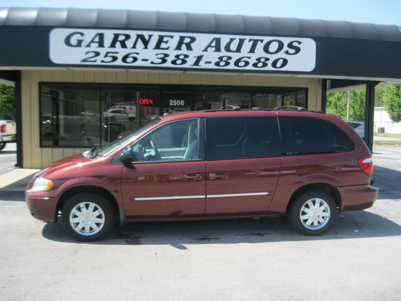 2007 chrysler town and country information and photos zombiedrive. Black Bedroom Furniture Sets. Home Design Ideas
