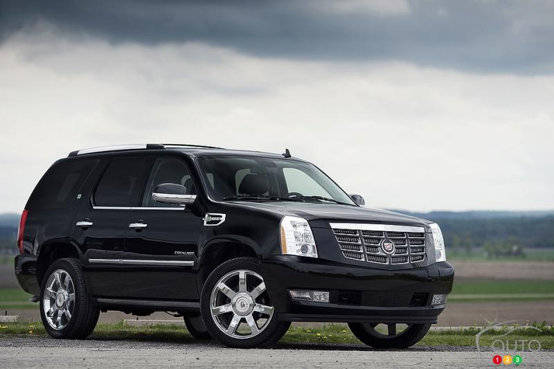 2012 cadillac escalade hybrid information and photos zombiedrive. Cars Review. Best American Auto & Cars Review